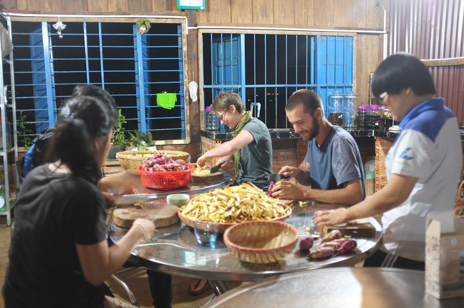 Sam from USA visit Hama Village